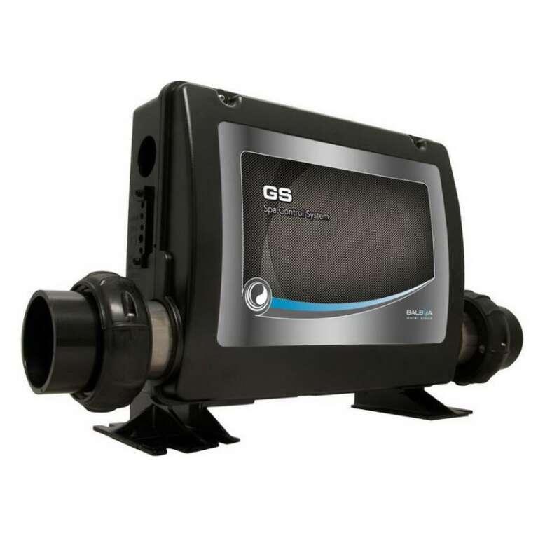Control système GSDZ est un système de contrôle avec réchauffeur 3,0 KW intégré est capable de gérer avec une pompe de circulation 24 heures , une pompe bi-vitesse ou mono-vitesse, ene autre pompe mono-vitesse, un souffleur, Un ozonateur, Un projecteur