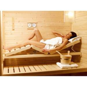 Chaise longue pour permettre une position confortable pendant une séance sauna. Sa forme ergonomique, épouse le corp