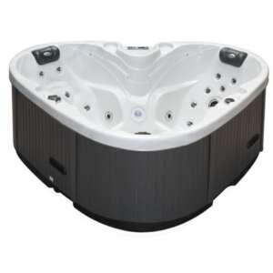 Le spa Heart est le spa idéal lorsque l'on vit en appartement.Et comment résister à son ergonomie en forme de cœur ?